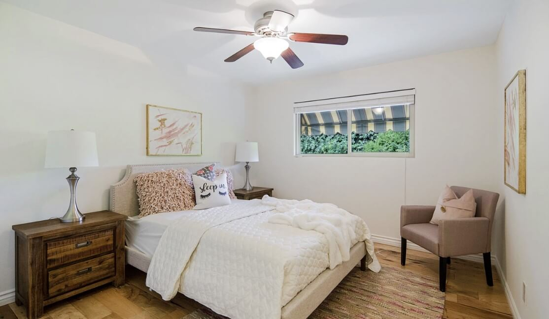 ceiling fan with light bedroom