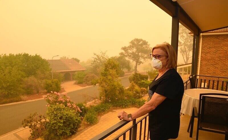 Wildfire smoke mask